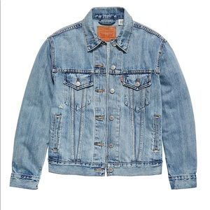 NWT Levi's ex-boyfriend trucker jean jacket large